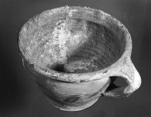 Nachttopf, Keramik, um 1460-70