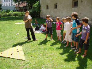 """Ferienexpress 2011 """"Spiel und Spaß im Mittelalter?"""", Deltaspiel, Foto: Stadtarchäologie Hall i.T."""
