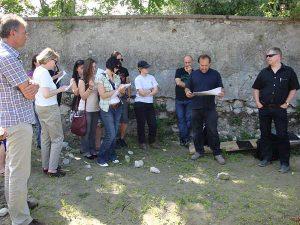 Sonderführung für Studierende des Instituts für Archäologien, Grabung Glashütte, 2009, Foto: Stadtarchäologie Hall i.T.